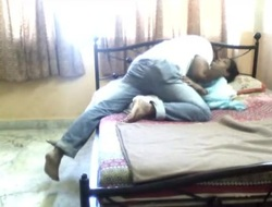 22 aunty love with bf in hiddencam