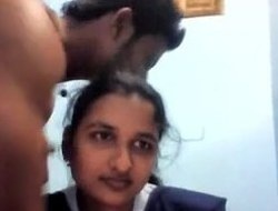 Indian desi gal fucking with boyfriend in bedroom